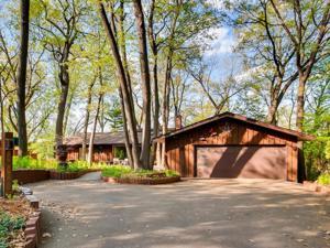 8024 Hill Trail N Lake Elmo, Mn 55042