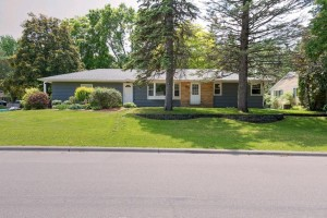 2358 Mayfair Avenue White Bear Lake, Mn 55110