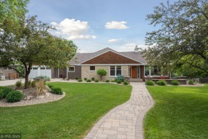 426 Westwood Drive N Golden Valley, Mn 55422