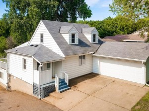 2688 Linwood Avenue E Maplewood, Mn 55119