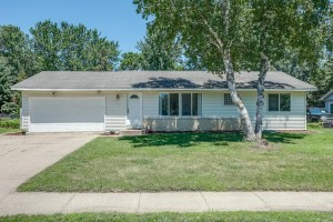 957 Cortland Drive Apple Valley, Mn 55124