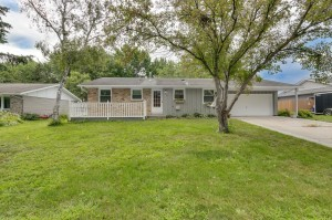 1032 Ramsdell Drive Apple Valley, Mn 55124