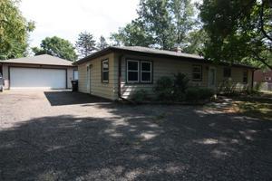9921 Kumquat Street Nw Coon Rapids, Mn 55433