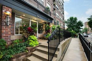 301 Oak Grove Street Unit 206 Minneapolis, Mn 55403