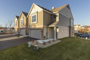 360 Stonewood Place Unit 16 Burnsville, Mn 55306