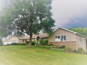 5024 Highview Drive Sw Montevideo, Mn 56265