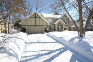 9811 Woodridge Drive Eden Prairie, Mn 55347