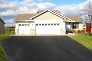 520 Isabella Court Clearwater, Mn 55320