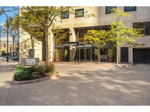 1225 Lasalle Avenue Unit 1707 Minneapolis, Mn 55403