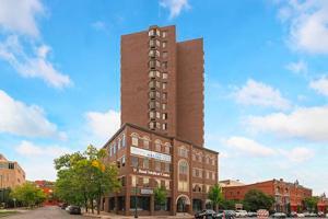 291 7th Street W Unit 1405 Saint Paul, Mn 55102