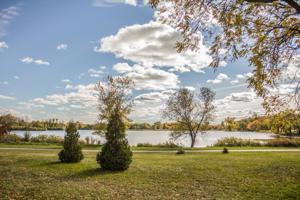 2442 W Lake Of The Isles Parkway Minneapolis, Mn 55405