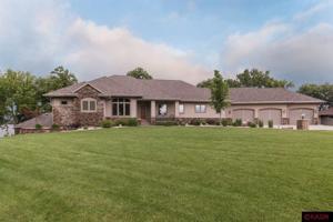 3814 Sioux Madison Lake, Mn 56063